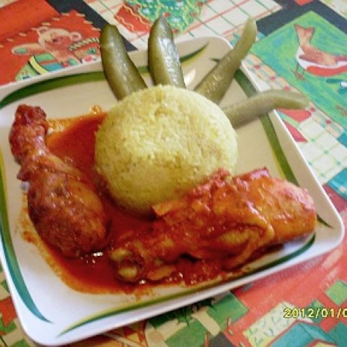 Ezen a képen: Fűszerpaprikás-lecsós csirkecomb