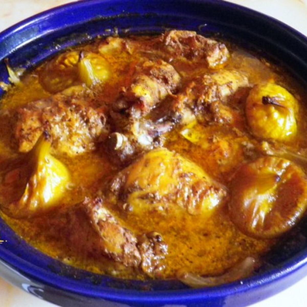 Ezen a képen: Marokkói csirke tagine-ban készítve