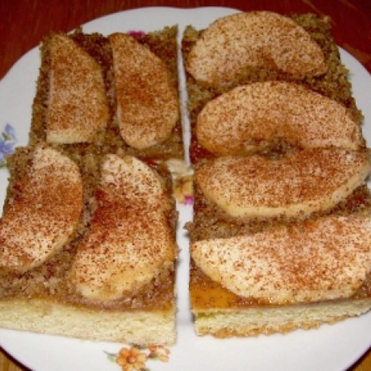Ezen a képen: Almás-diós szelet kiscsillagtól