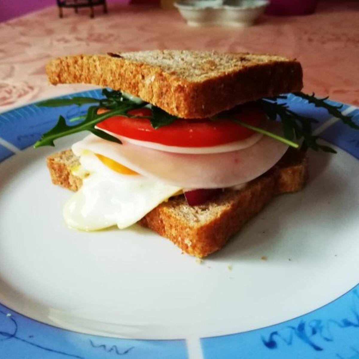 Ezen a képen: Jó reggelt szendvics