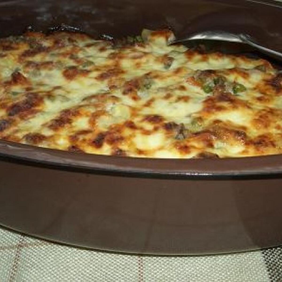 Ezen a képen: Zöldséges raguval töltött krumpli