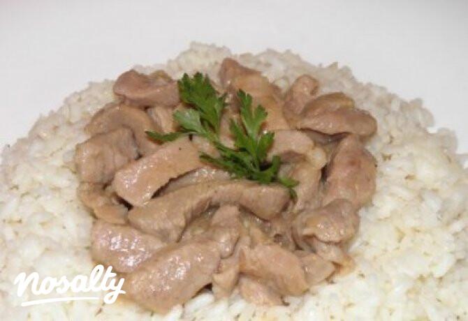 Ezen a képen: Borsos tokány pirított rizzsel