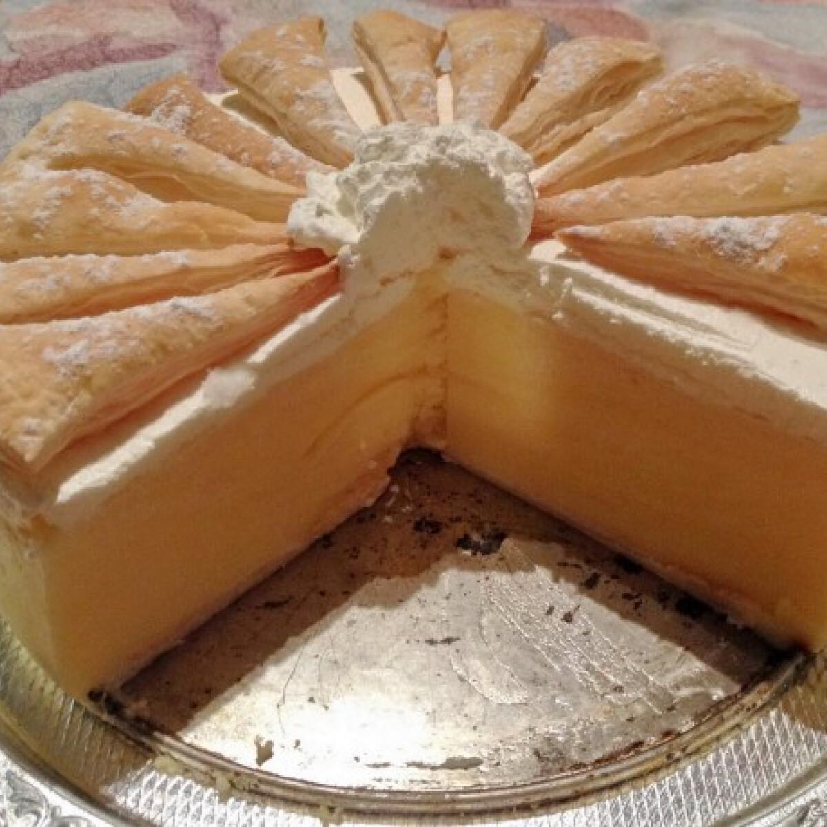 Ezen a képen: Krémes torta DoGGma konyhájából