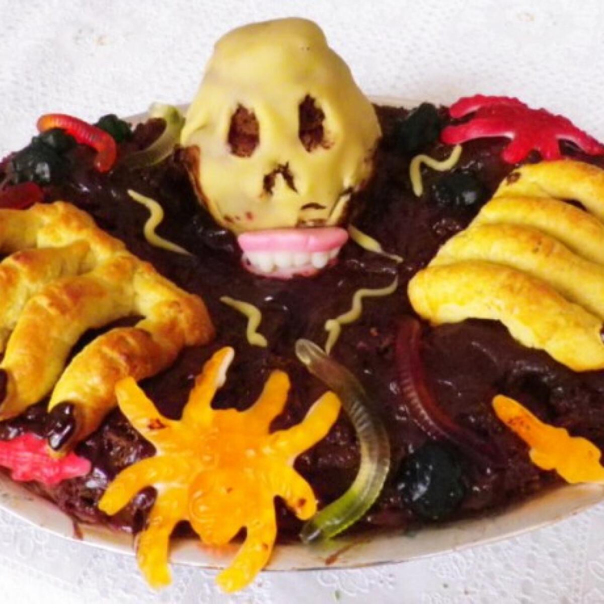 Ezen a képen: Halloween koponyasüti