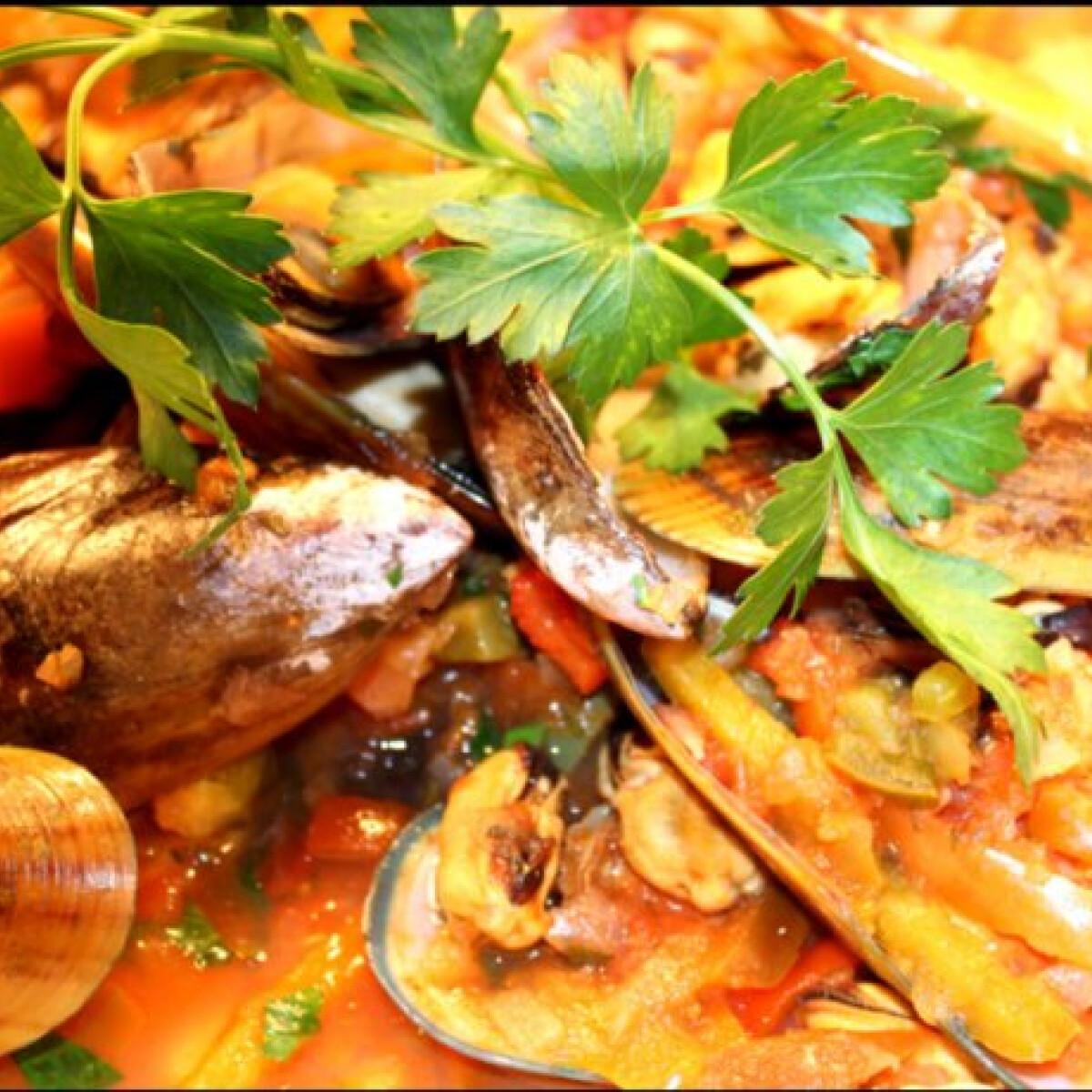 Zöld kagyló mediterrán mártásban