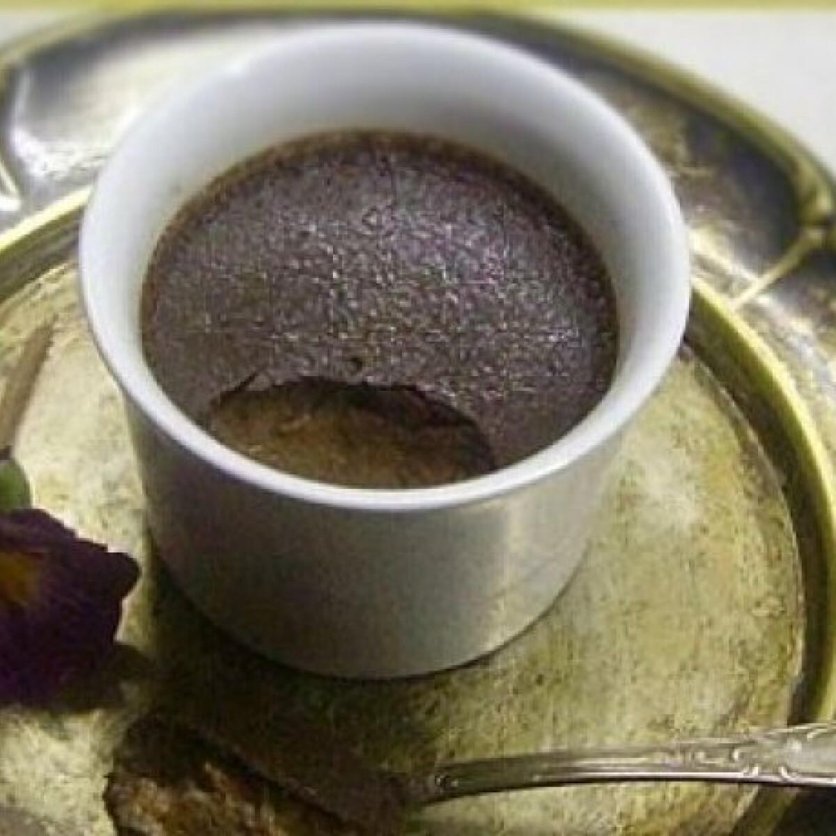 Ezen a képen: Mogyorókrémes-csokoládés desszert
