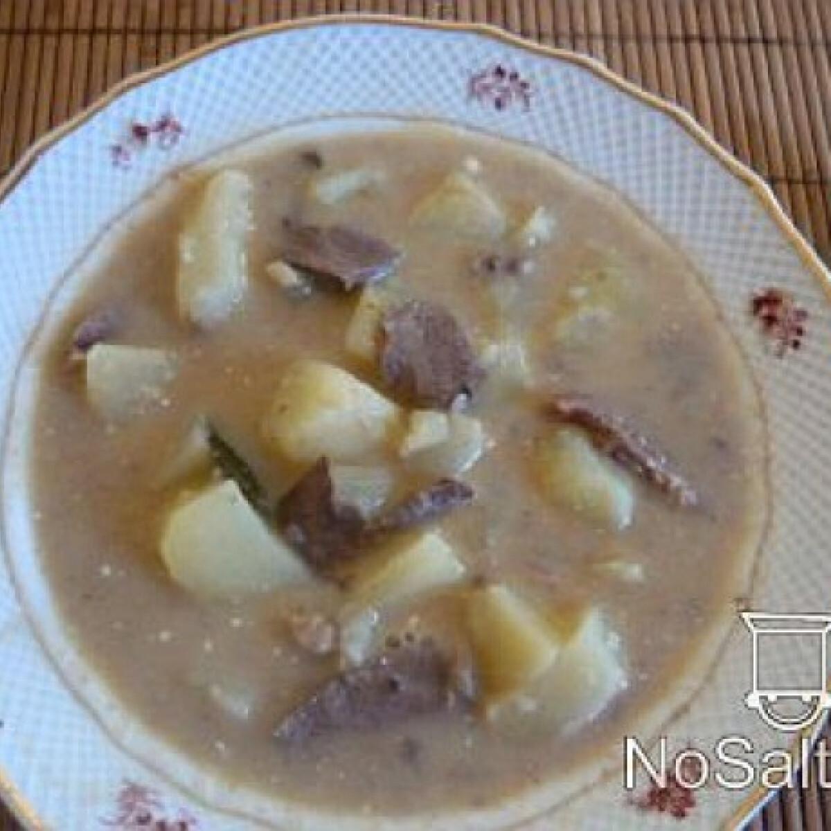 Ezen a képen: Savanyú szív-nyelv leves