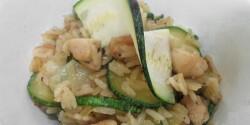 Cukkinis rizses egytál csirkefalatkákkal