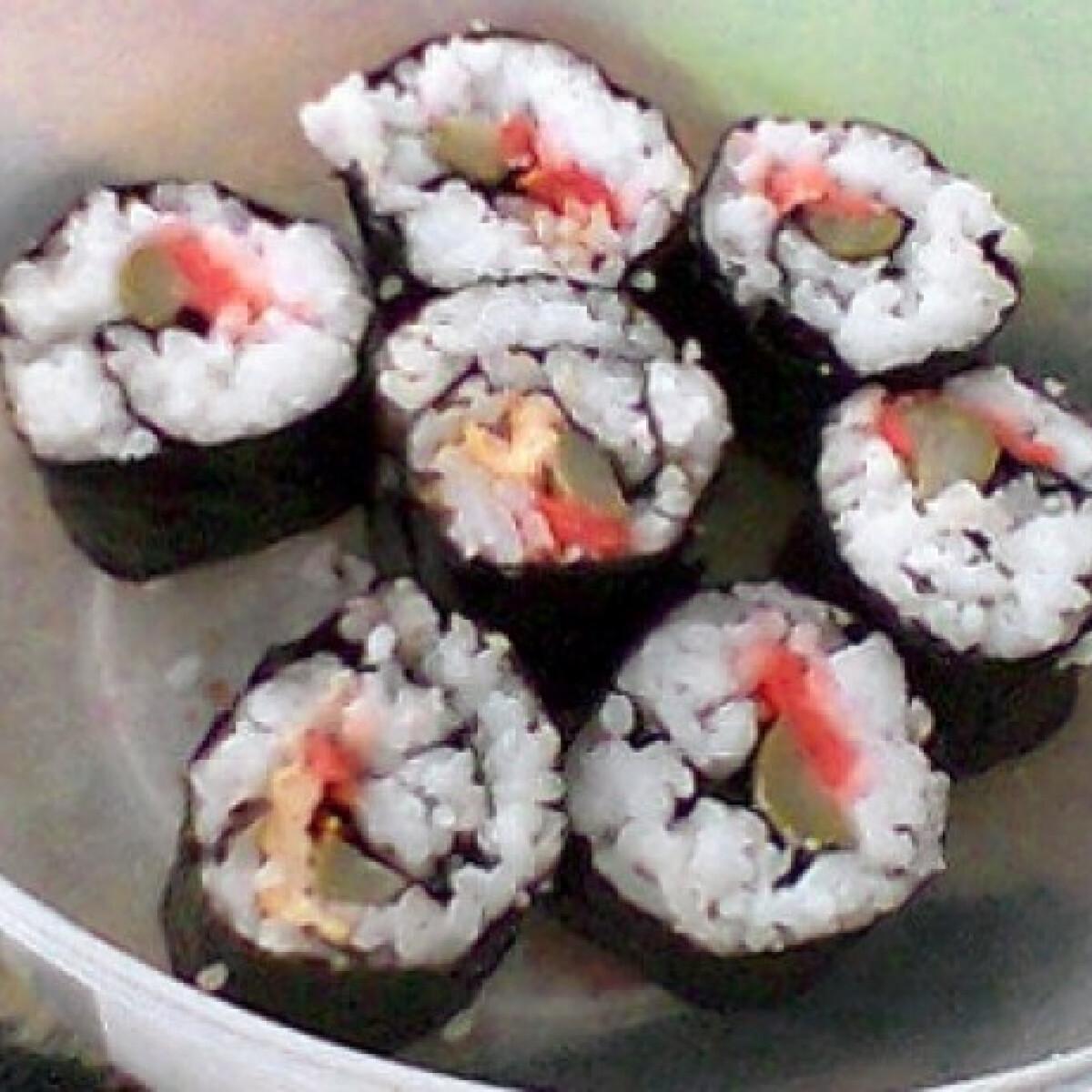 Ezen a képen: Diák sushi