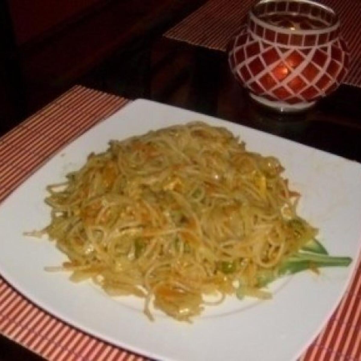 Ezen a képen: Kínai zöldséges tészta