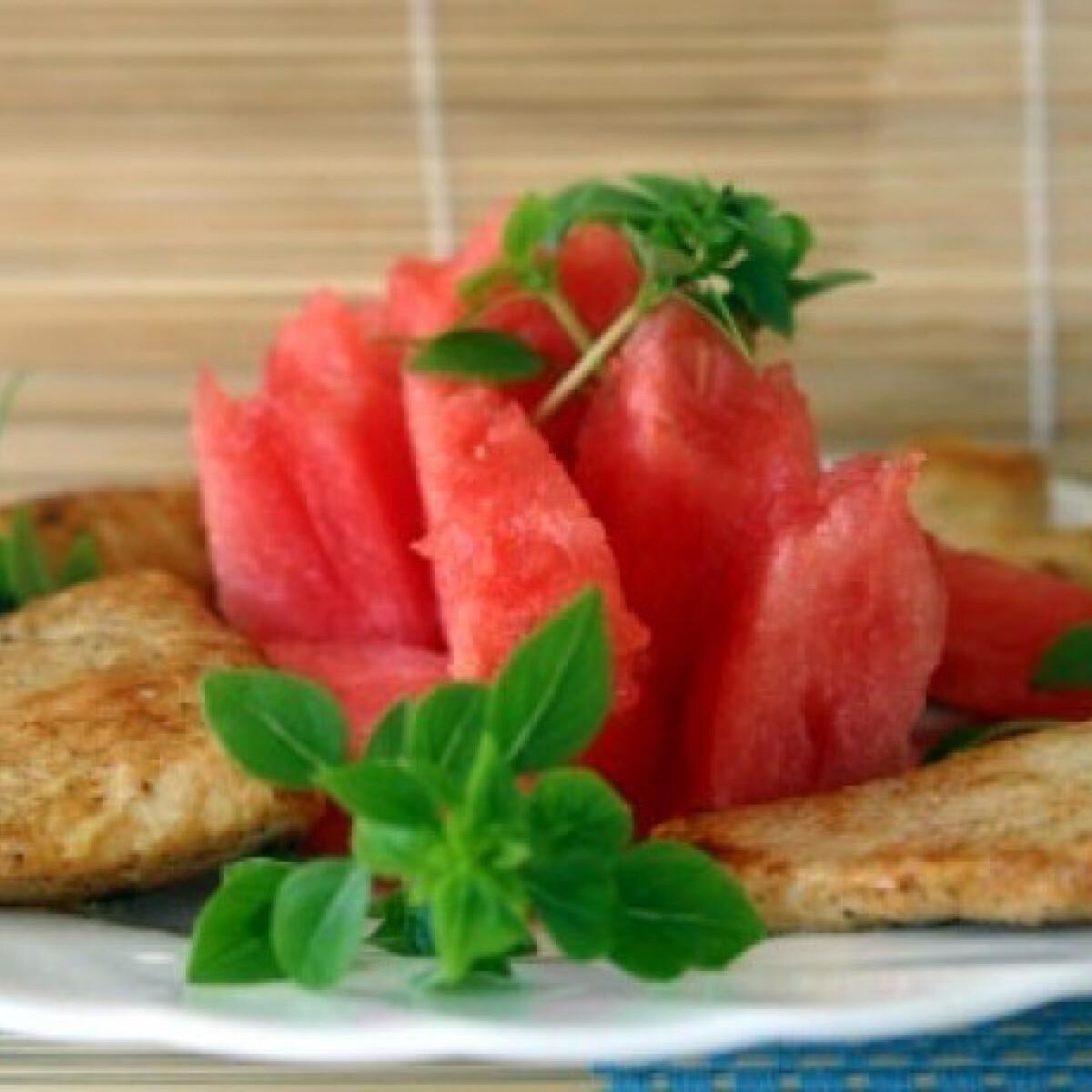 Ezen a képen: Görögdinnyés csirkesaláta