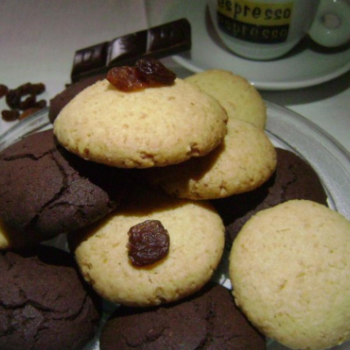 Ezen a képen: Kókuszos és kakaós tallér