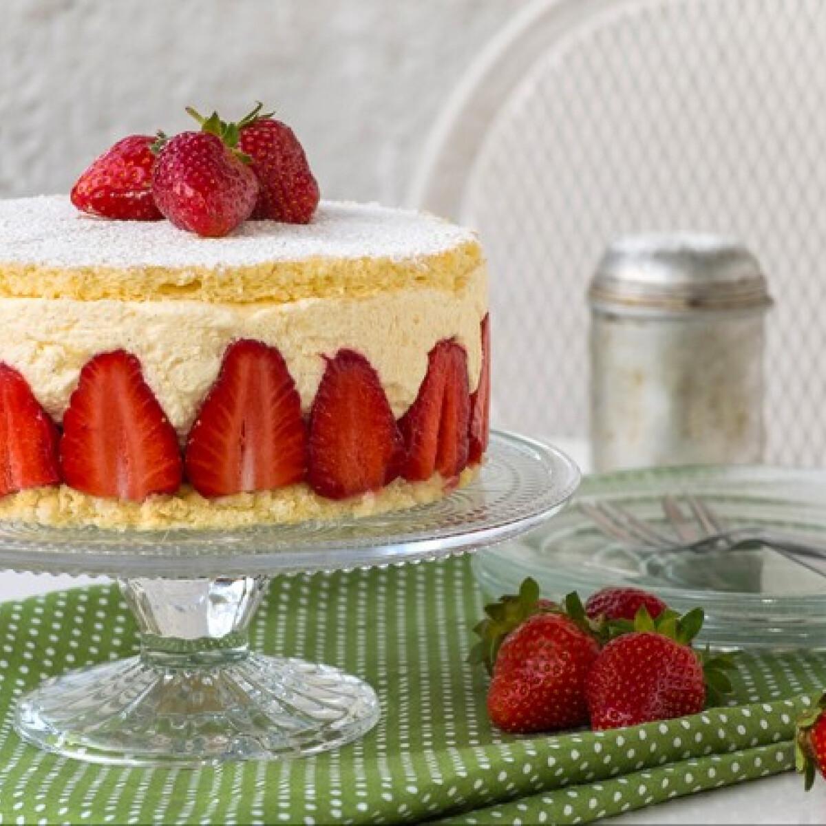 Ezen a képen: Fraisier torta
