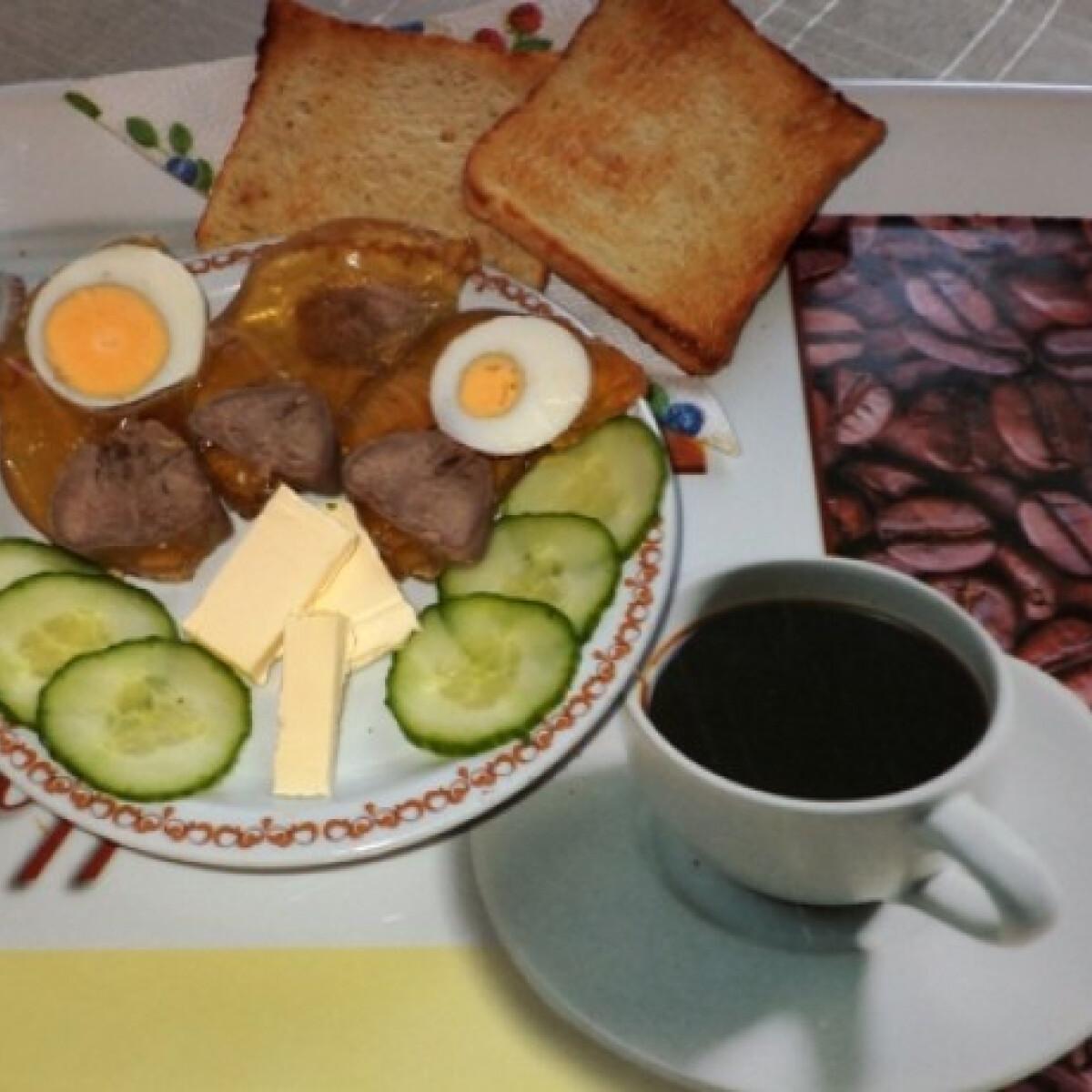 Ezen a képen: Aszpikos sertésnyelv tojással Gabystól