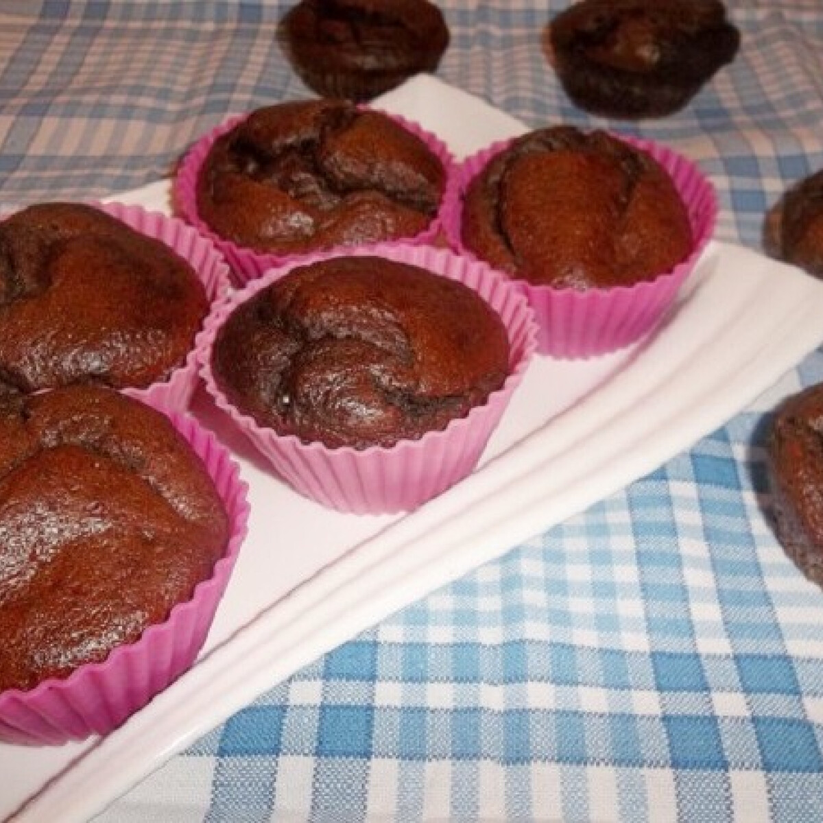 Ezen a képen: Kakaós muffin vaj és cukor nélkül