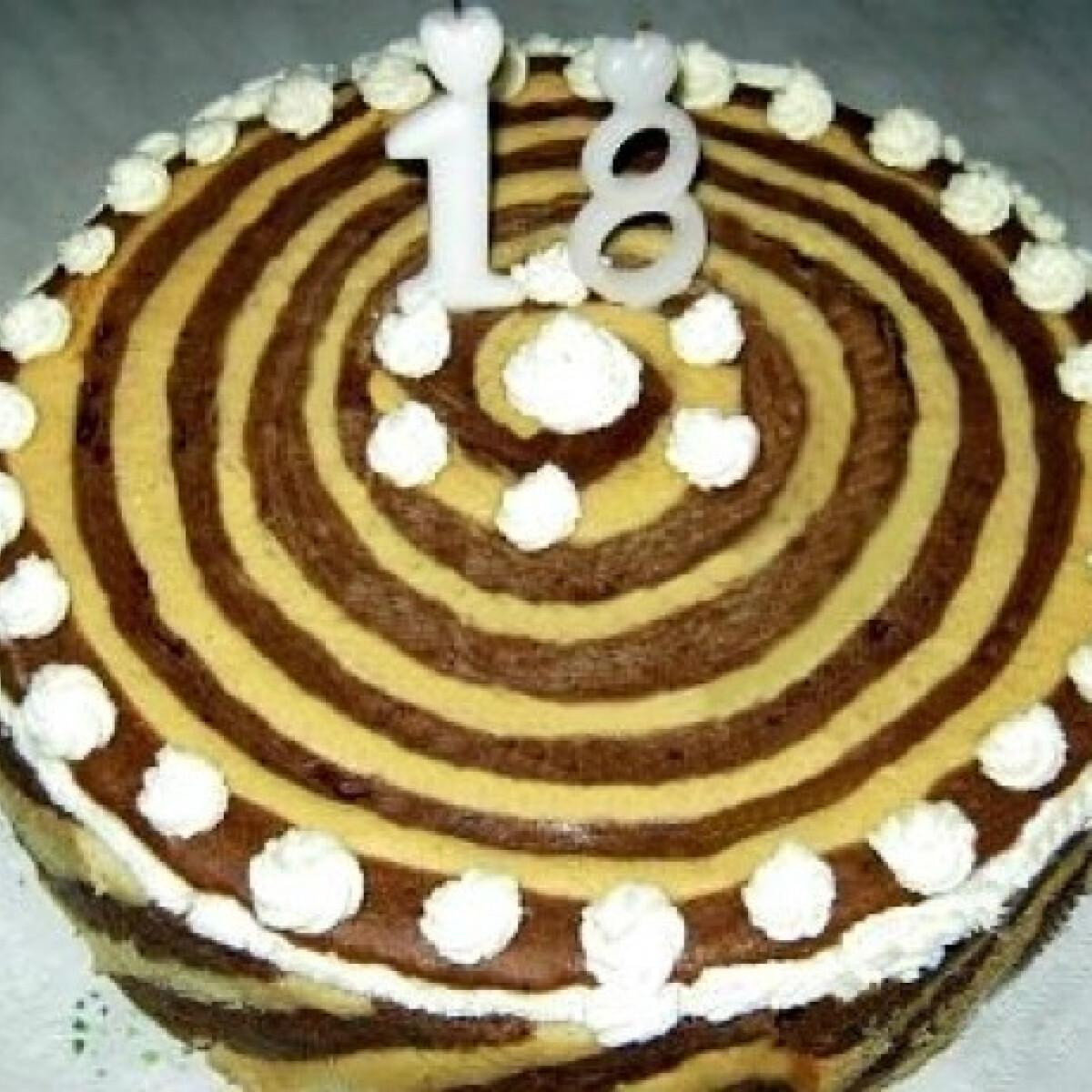 Ezen a képen: Négykrémes torta