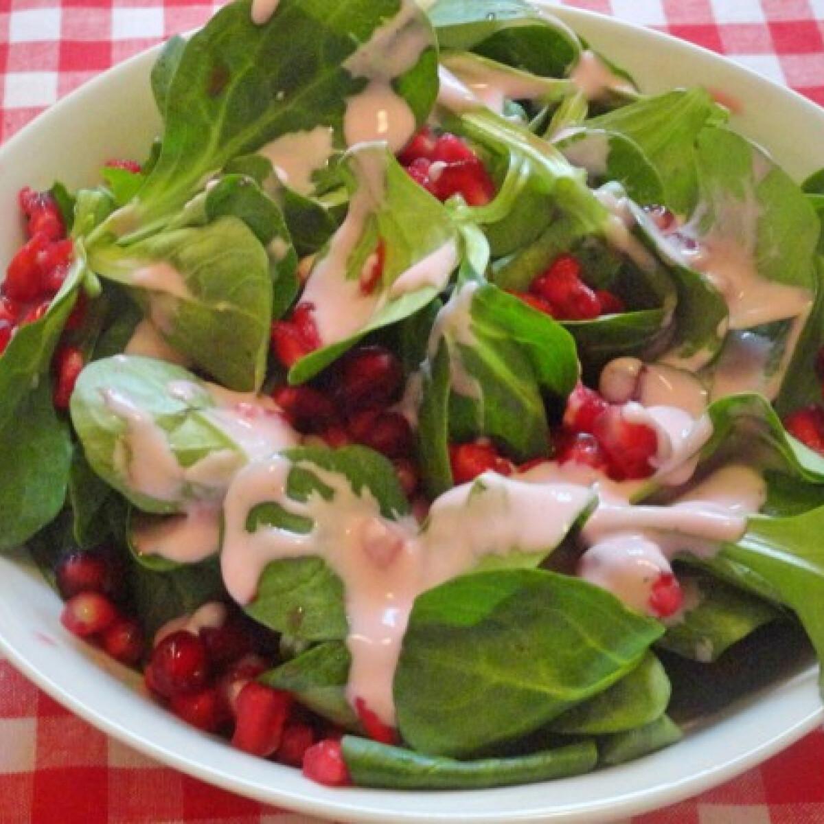 Ezen a képen: Madársaláta gránátalmás joghurt-dresszinggel