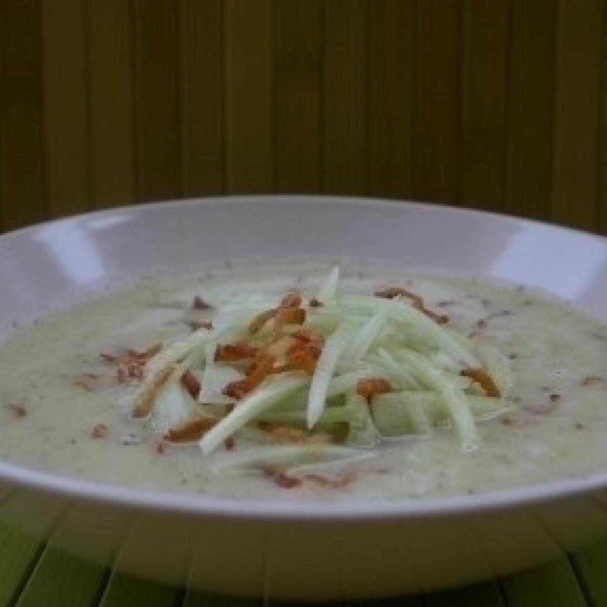 Ezen a képen: Hideg kovászosuborka-leves (Kovászosuborka leves 3.)
