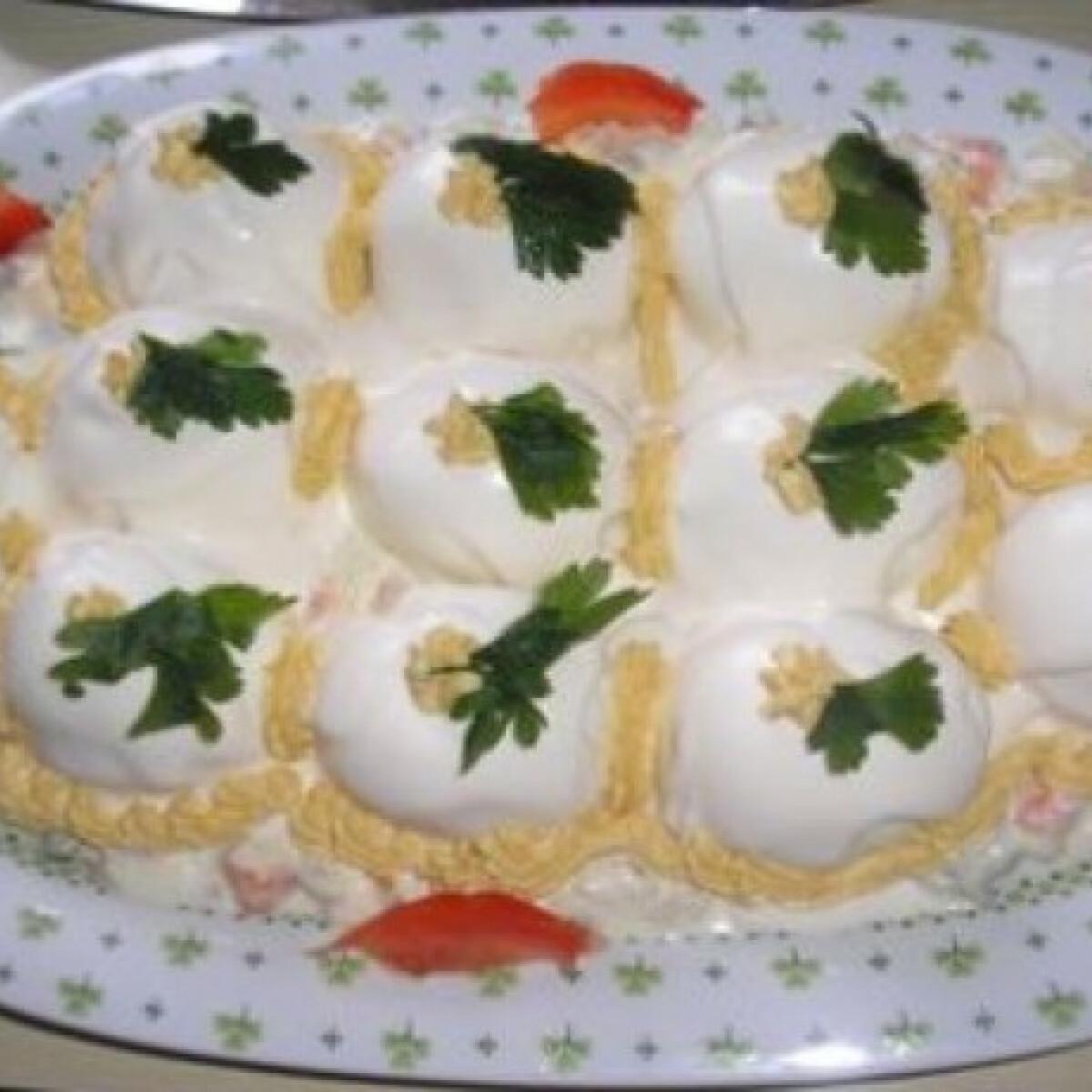 Ezen a képen: Kaszinótojás Zsuzsamama konyhájából