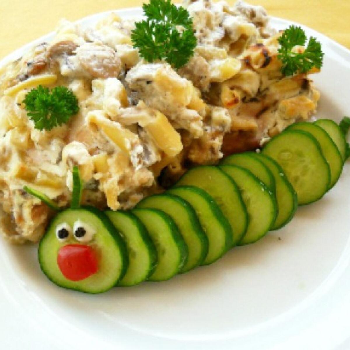 Ezen a képen: Zöldbabos-krémsajtos csirkecomb