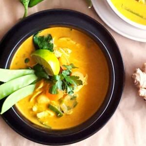 Thai kókusztejes-currys csirkeleves