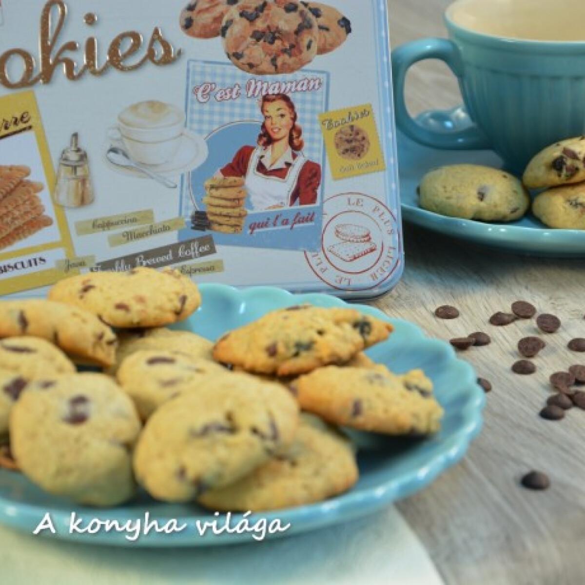 Ezen a képen: Áfonyás-csokis cookie