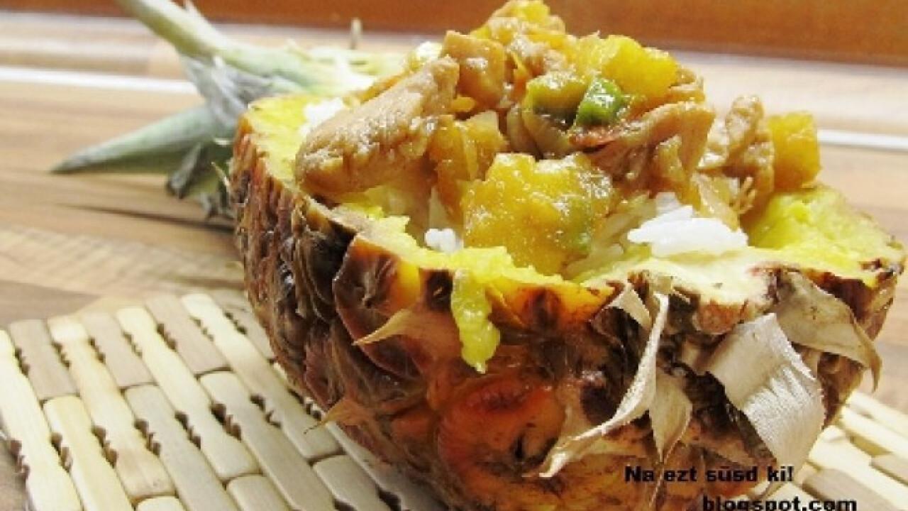 Egzotikus csirke ananászban