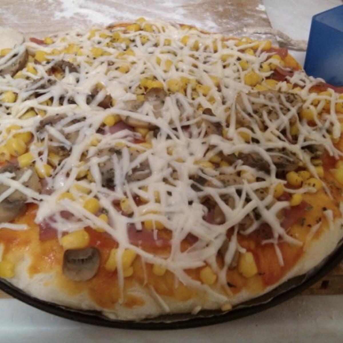 Ezen a képen: Son-go-ku pizza