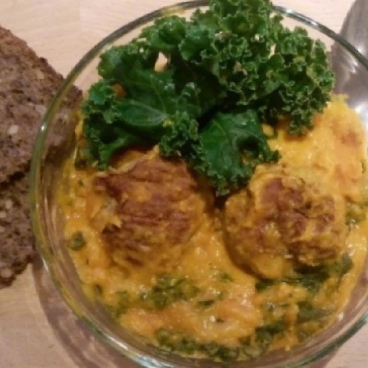 Ezen a képen: Sütőtök curry húsgolyókkal és kale-lel