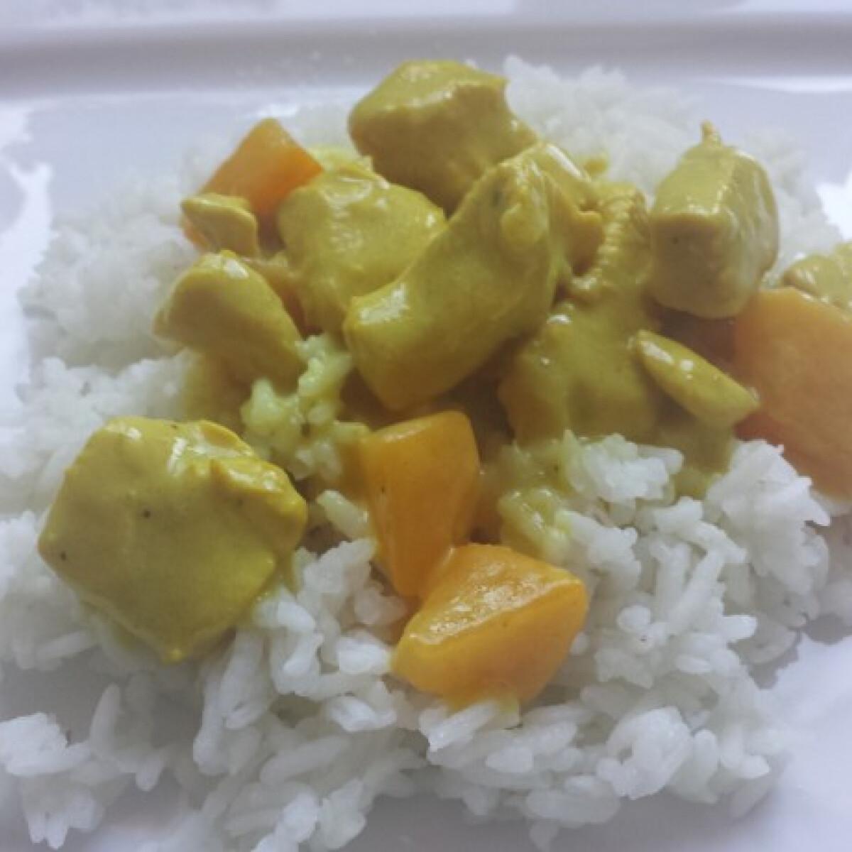 Ezen a képen: Currys-barackos csirke