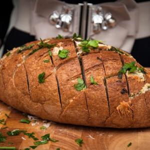 Sajtos-fokhagymás kenyér