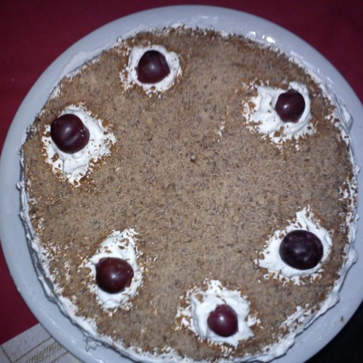 Feketeerdő-torta Dzserda konyhájából