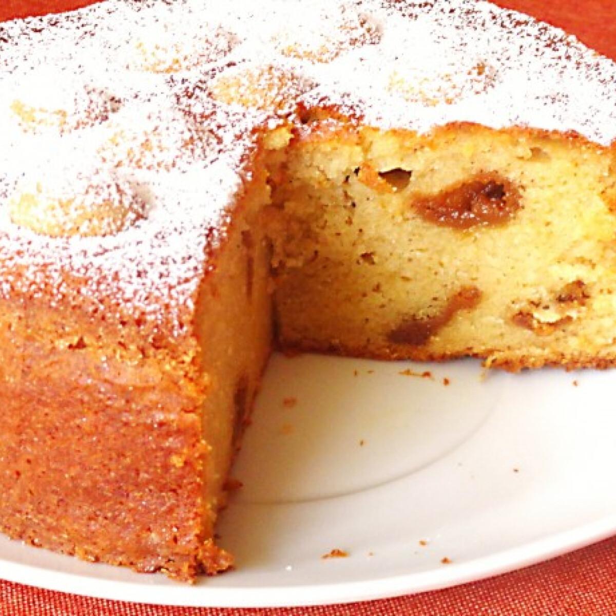 Ezen a képen: Almapürés sütemény amarettóval
