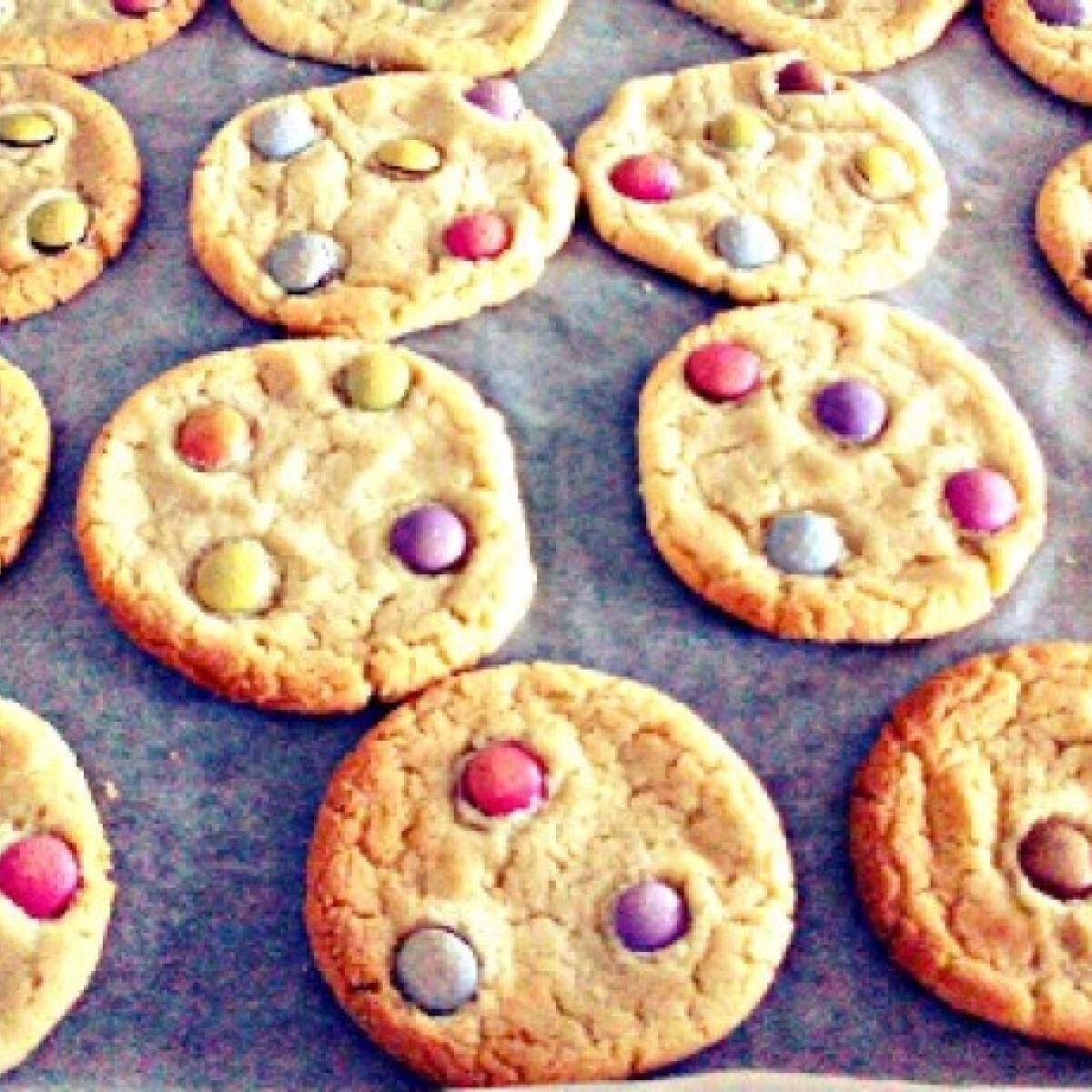Ezen a képen: Smarties-os kekszek