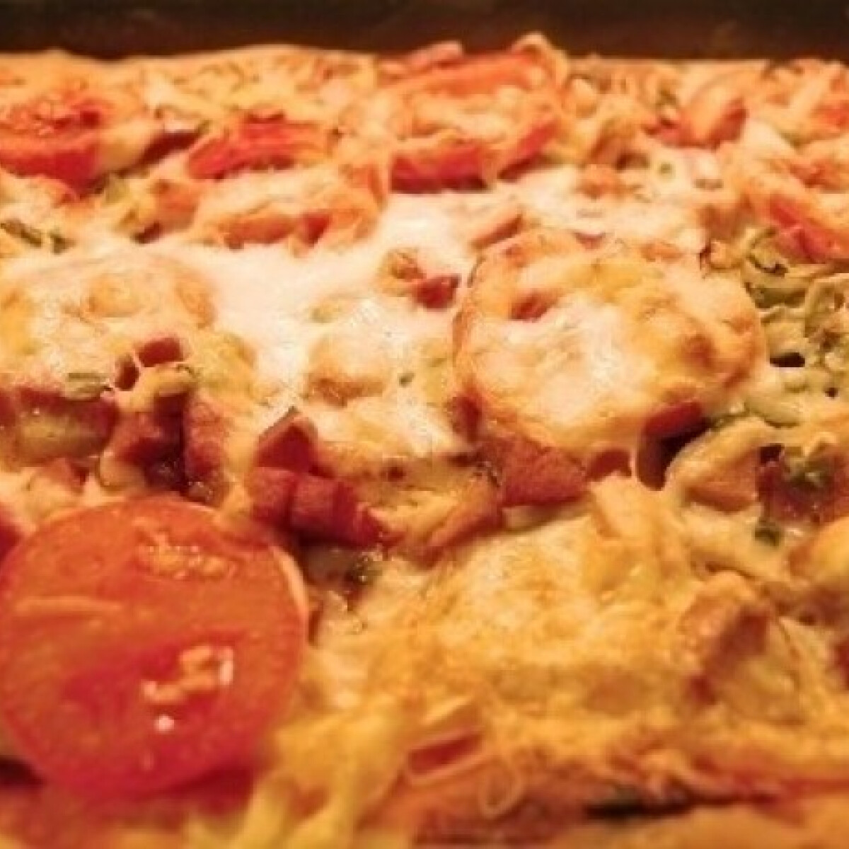 Ezen a képen: Gina mamma pizzája (Pizza 7.)