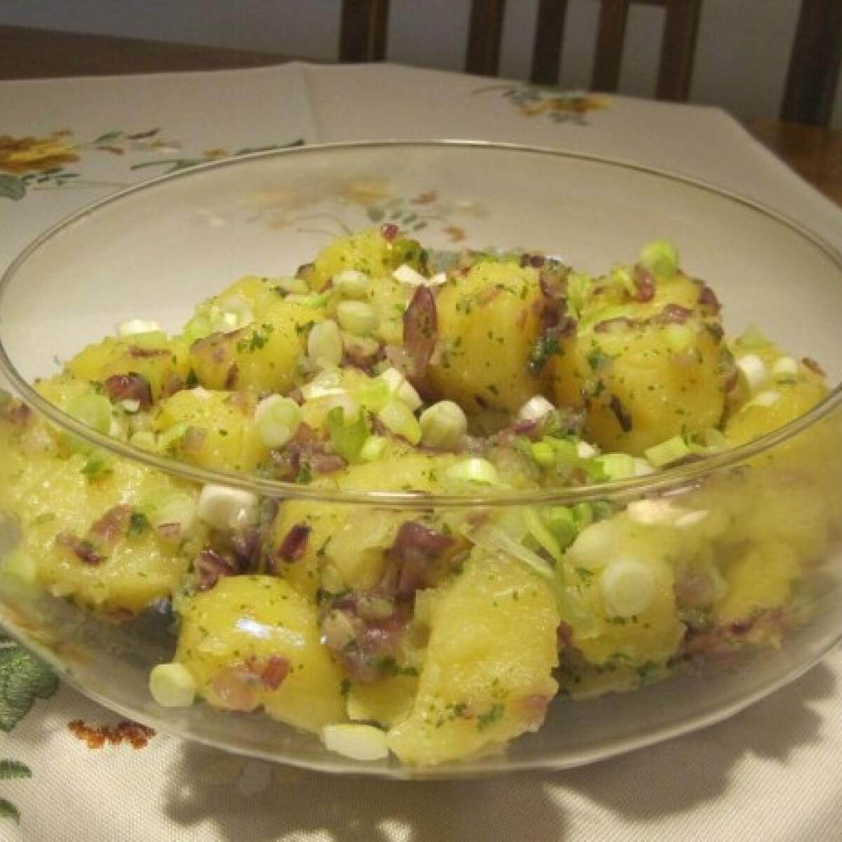 Ezen a képen: Hagymás burgonya Éva házias konyhájából