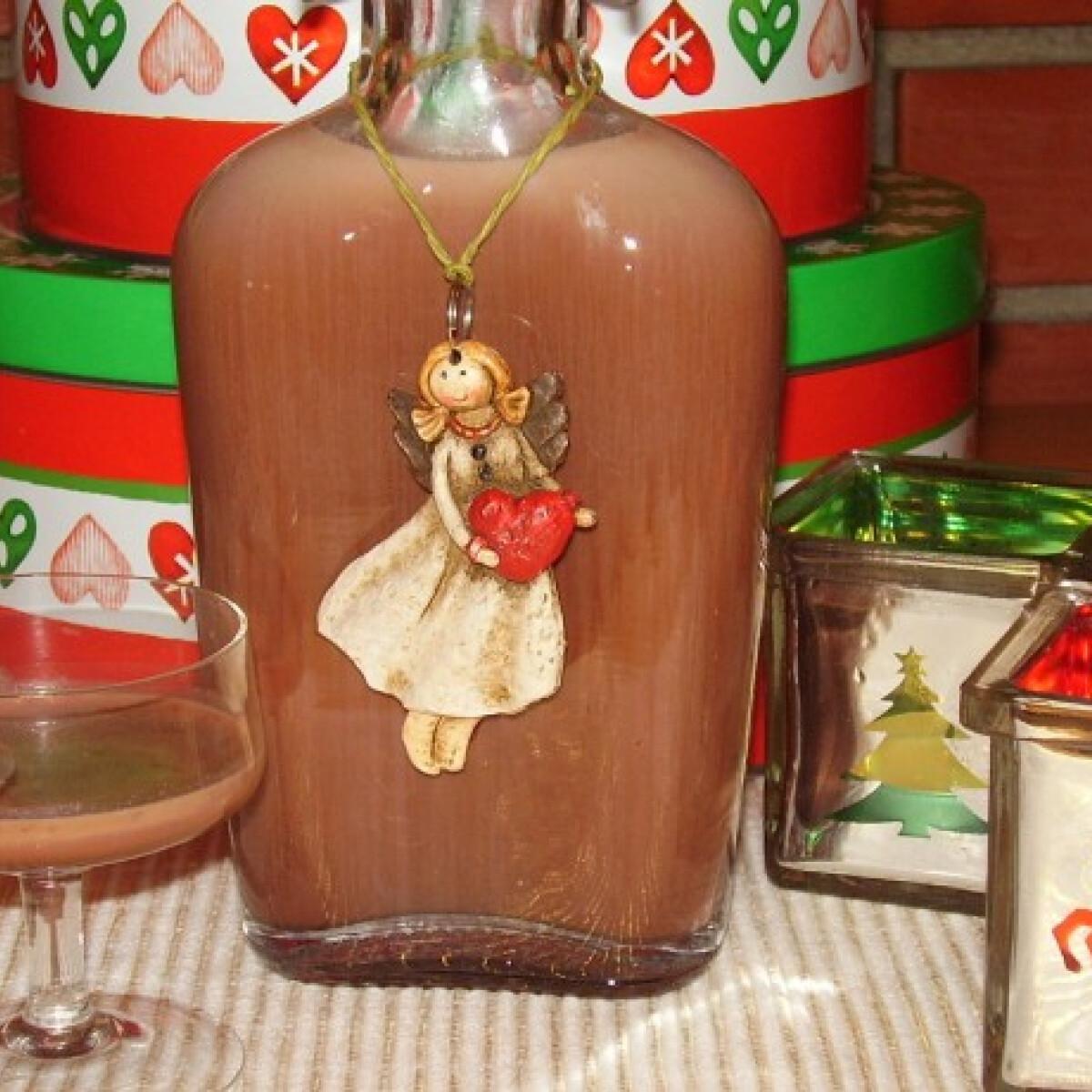 Ezen a képen: Tejszínes csokoládélikőr