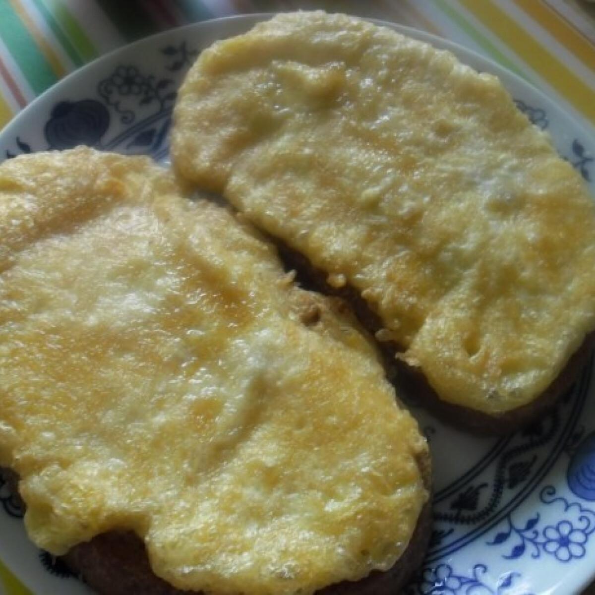 Ezen a képen: Angol bundás kenyér