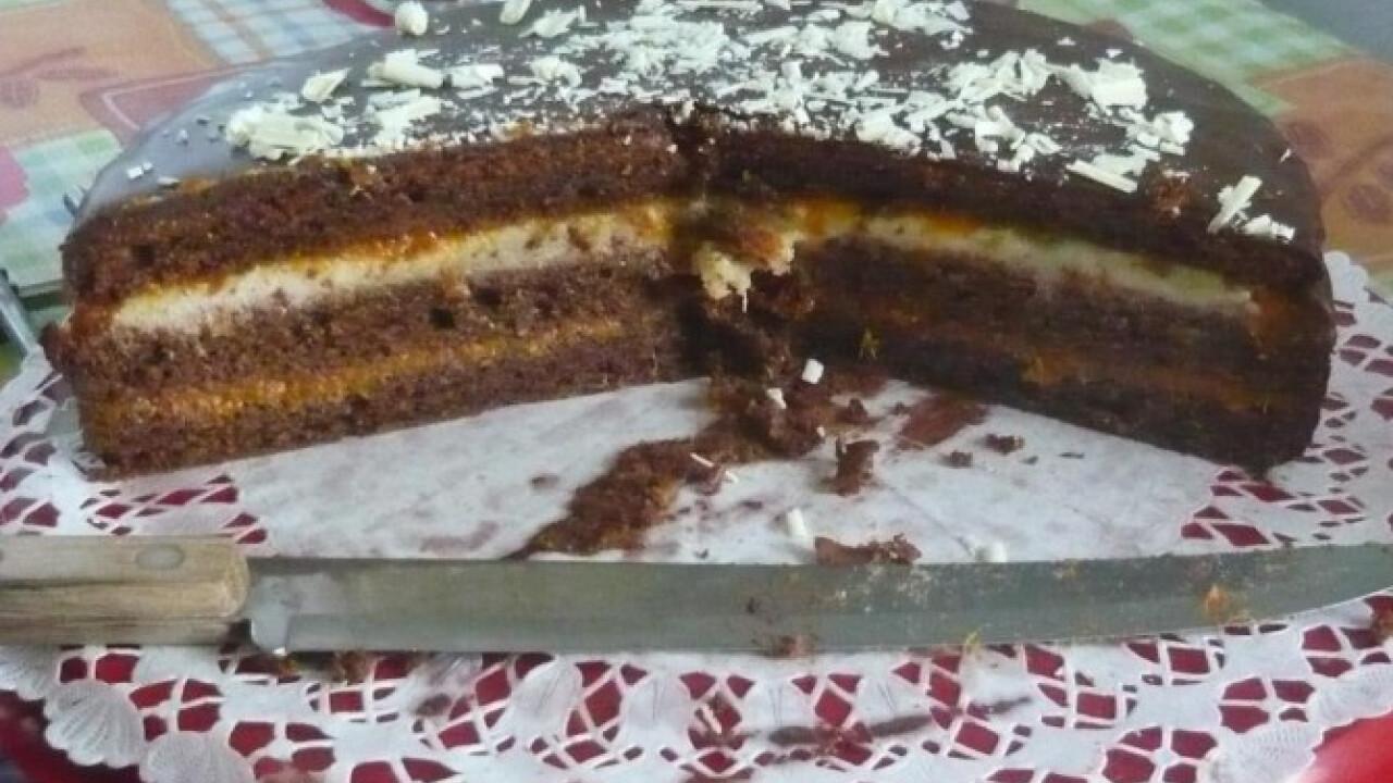 Sacher torta-marcipános