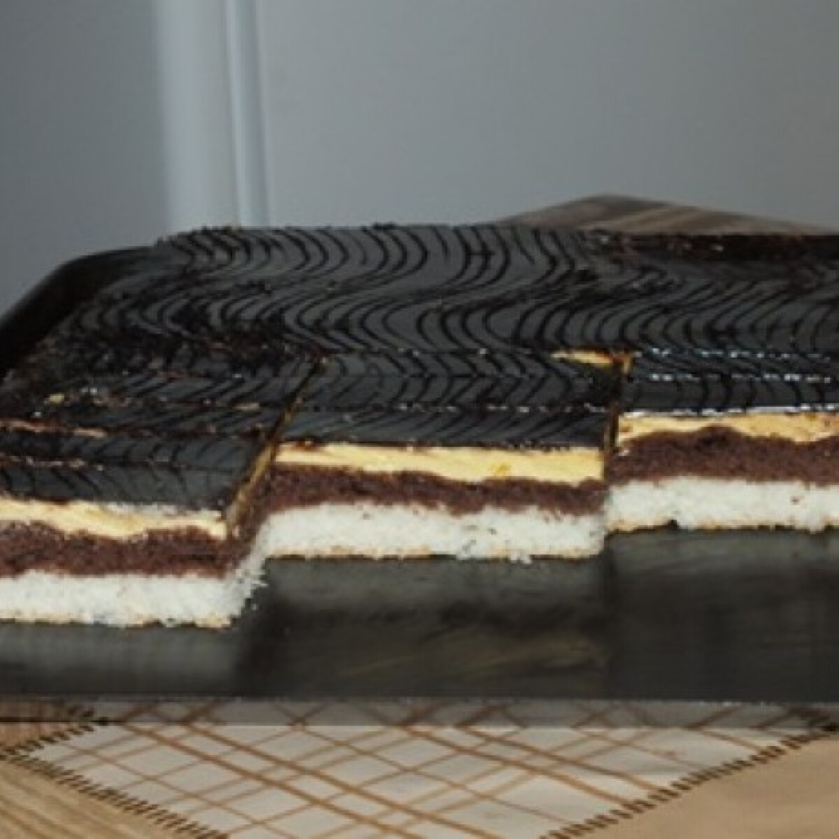 Kókuszlisztes krémes sütemény