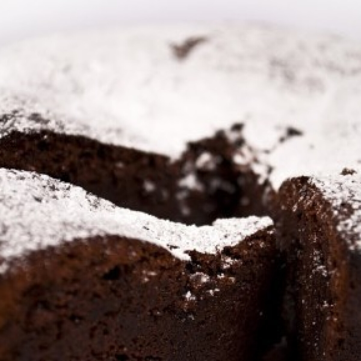 Ezen a képen: Csokoládétorta lisztmentesen