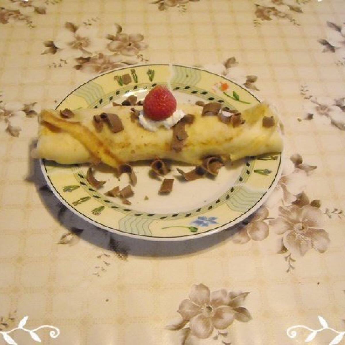 Ezen a képen: Epres-túrós palacsinta Nikóka konyhájából