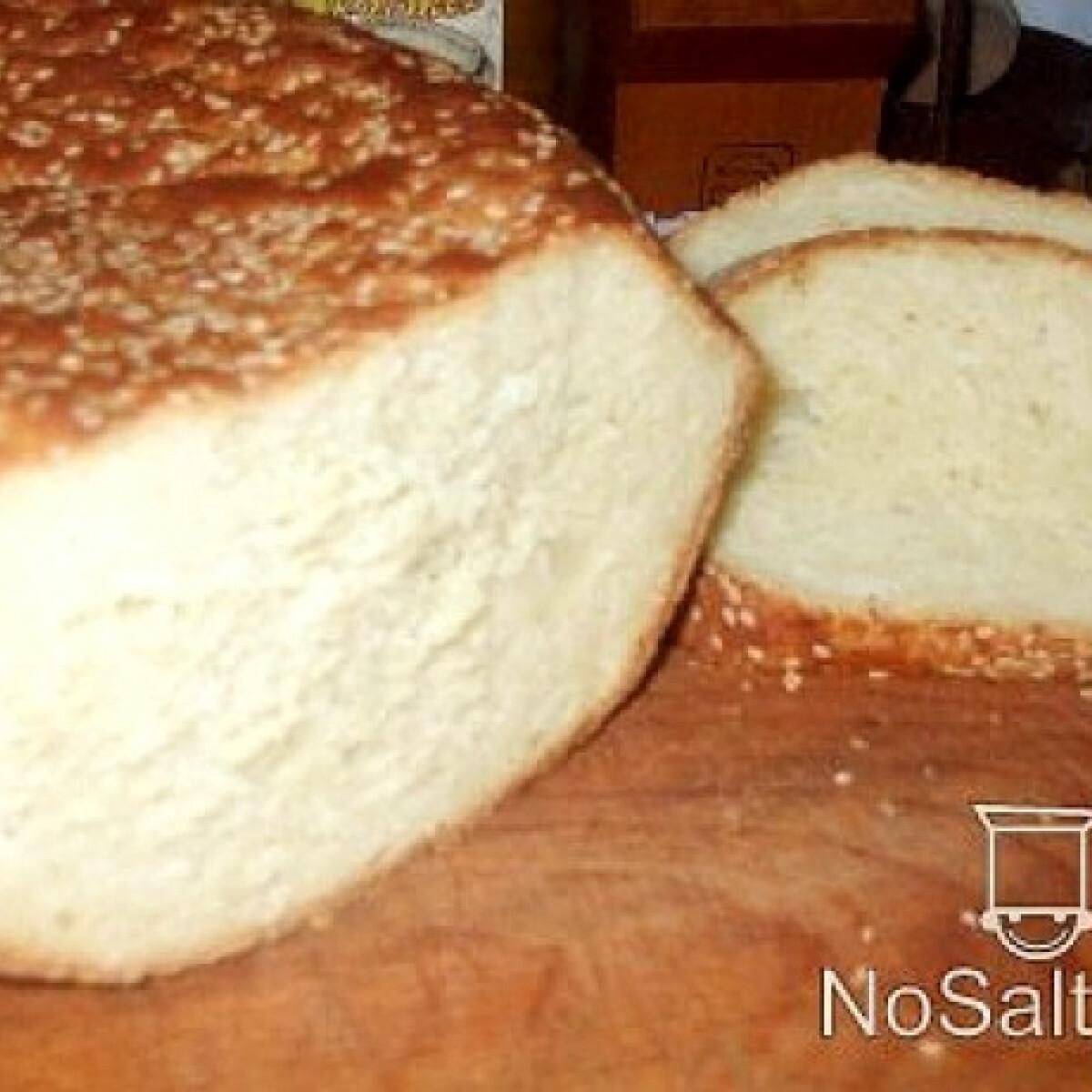 Ezen a képen: Kukoricás-burgonyás kenyér
