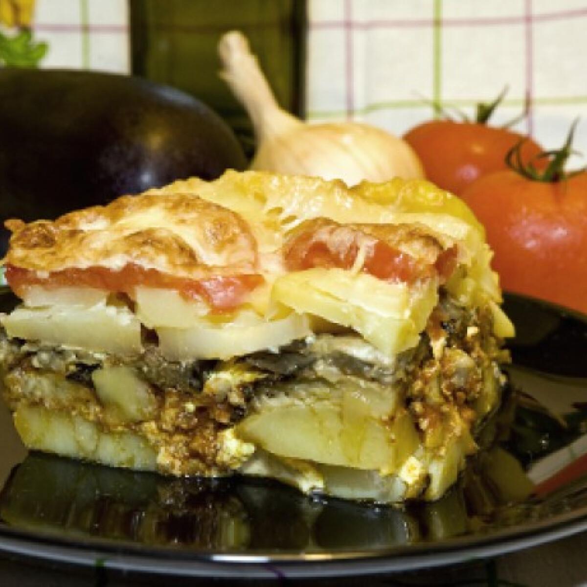 Ezen a képen: Muszaka Tomatotree konyhájából