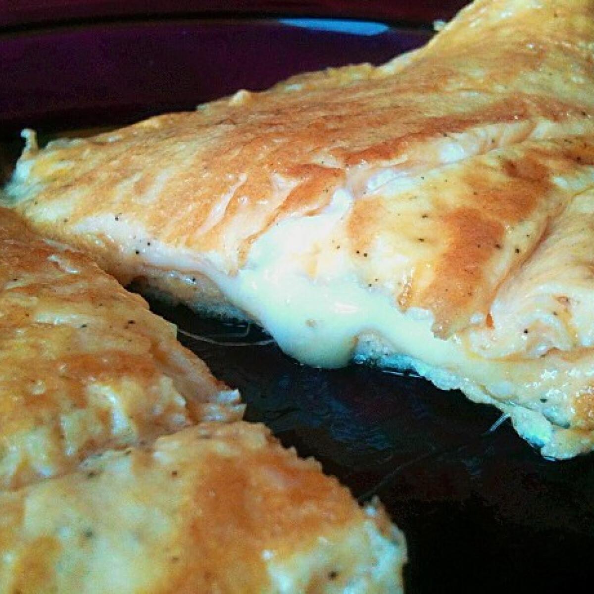 Ezen a képen: Klasszikus sajtos omlett