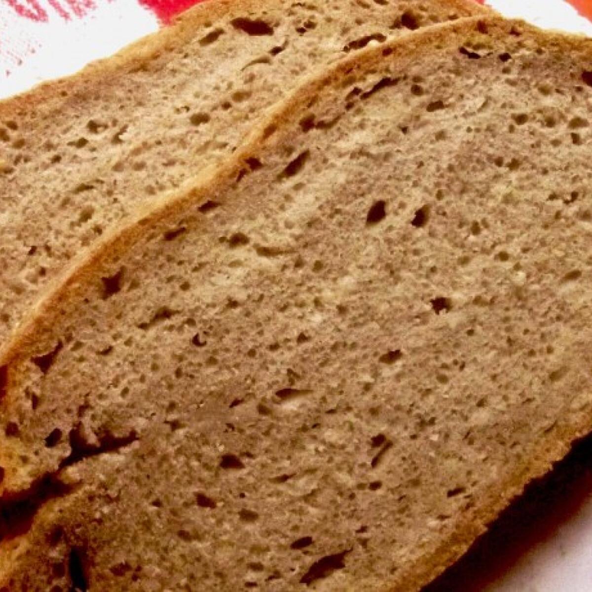Ezen a képen: Házi fekete kenyér