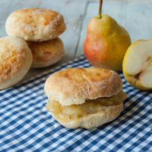 Scone (skót pogácsa) almás-körtés dzsemmel