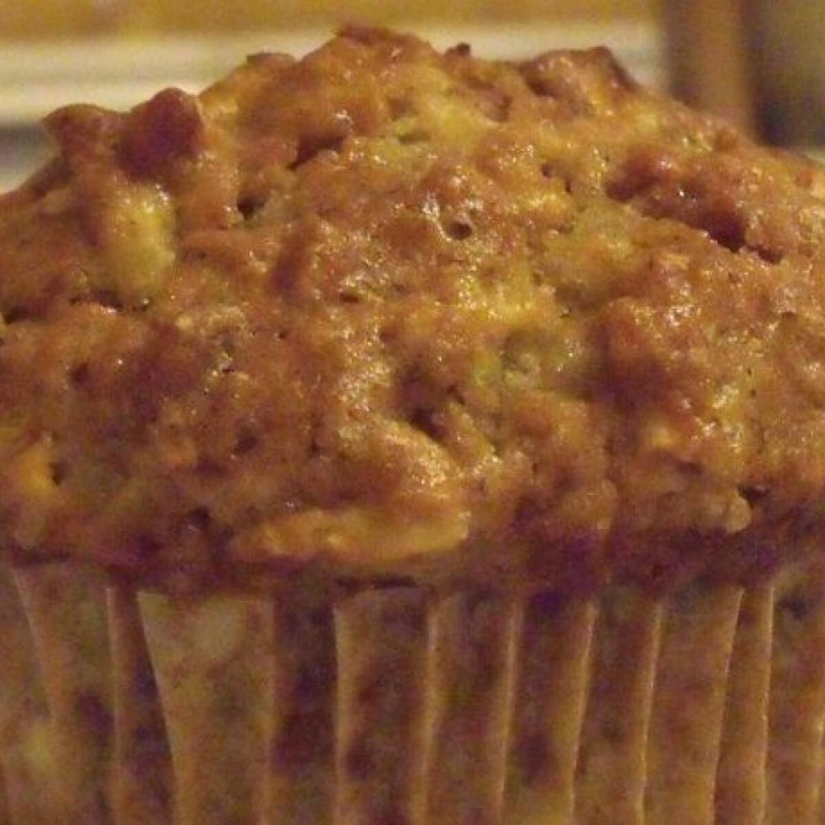 Almás-diós fahéjas muffin