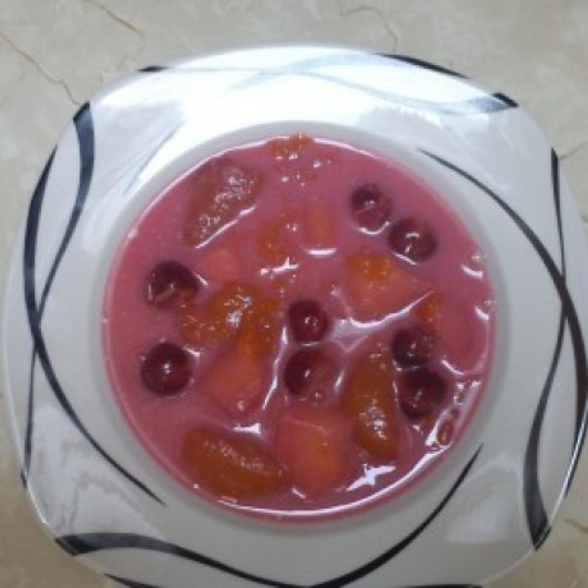 Ezen a képen: Gyümölcsleves - ahogy a Nagyi csinálta