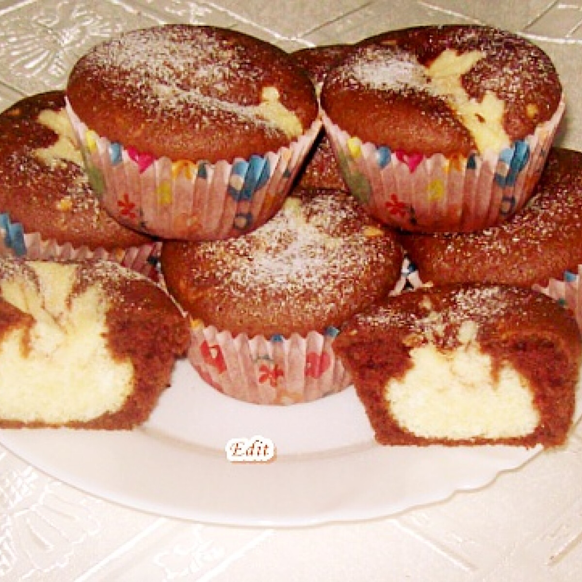 Ezen a képen: Bocimobil muffin formában